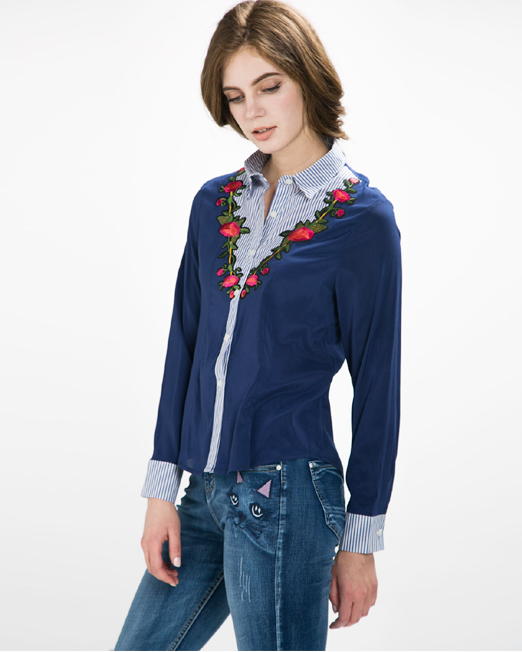 Embroidered Badge Blouse | Melani di moda