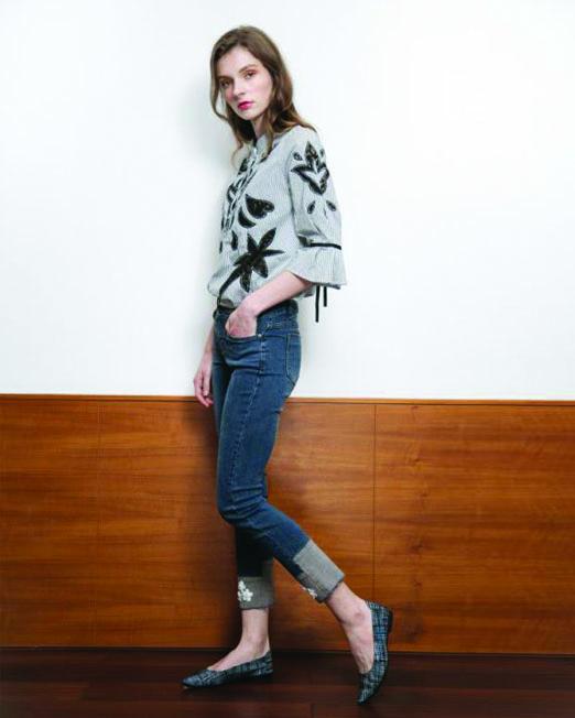 MLN Jeans Floral Patches Straight Leg Jeans | Melani di moda