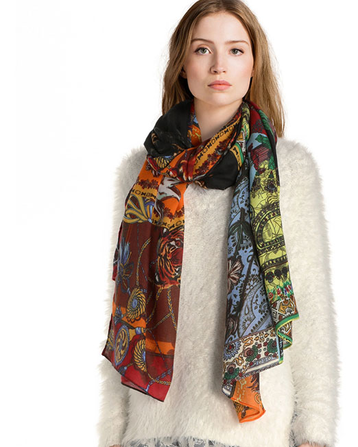 DESIGUAL ANIMALS PRINT SCARF3 Womens Clothing & Fashion