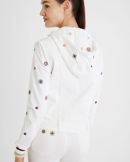 DESIGUAL EMBROIDERED SLIM DENIM JACKET5 522x652 Womens Clothing & Fashion