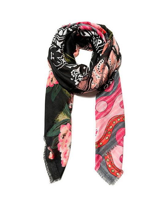 DESIGUAL RETRO PATCH PRINT SCARF Womens Clothing & Fashion