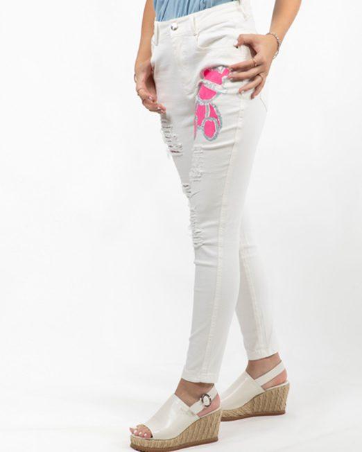 PASSION 1 BY MELANI PINK BEAR EMBELLISHMENT WHITE JEANS2 522x652 Womens Clothing & Fashion